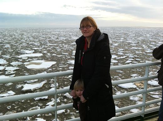 Fahrt zur Insel Borkum am 2. Tag unserer Reiseodysee mit ganz schön viel Eis auf der Nordsee